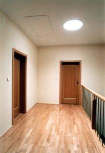 61894719 666214963836084 1490097435437957120 n 205x300 - Naturalnie o oświetleniu przedpokoju i korytarza w naszym domu.