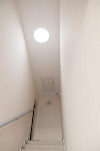 DSC8376 m 199x300 - Naturalnie o oświetleniu przedpokoju i korytarza w naszym domu.